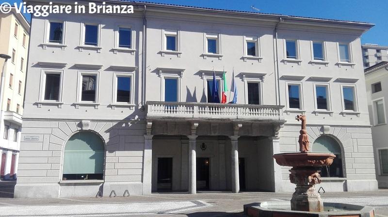 Cosa fare a Seregno, Palazzo Landriani Caponaghi