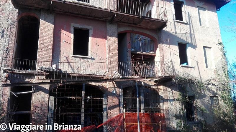 Cascina Belvedere, luogo abbandonato a Mariano Comense