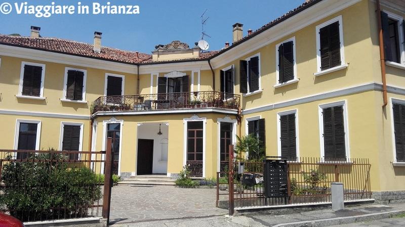 L'ingresso di Villa Agnesi a Bovisio Masciago
