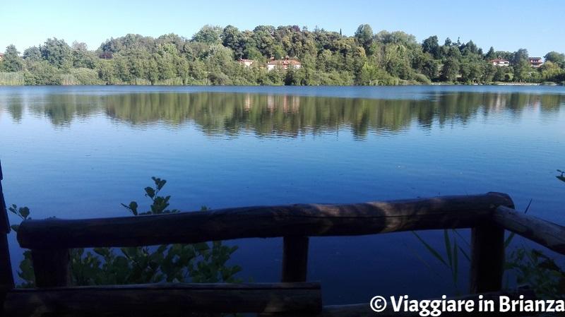 Il lago di Sartirana a Merate, il capanno di osservazione