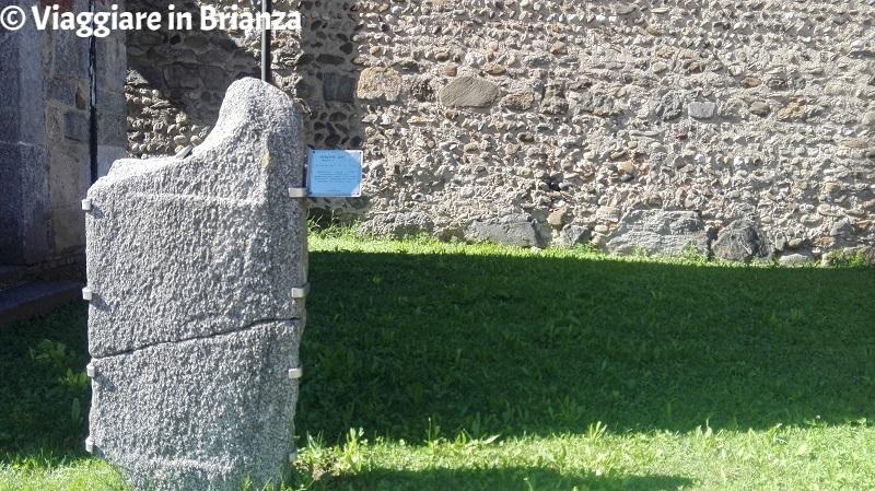 La lapide tardo romana della Basilica di Agliate