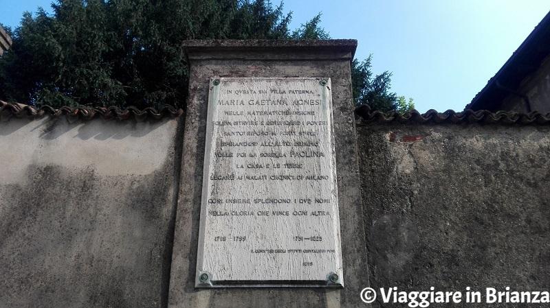 La lapide di Villa Agnesi a Varedo