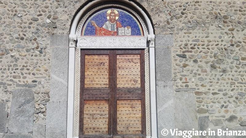 La lunetta con Cristo nella Basilica di Agliate