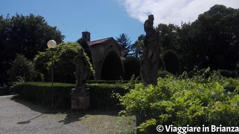 Le statue di Villa Cusani Confalonieri