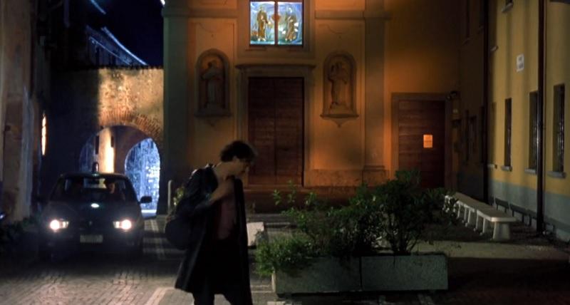 Cosa fare a Vimercate, il convento di San Francesco a Oreno nel film Tutti gli uomini del deficiente