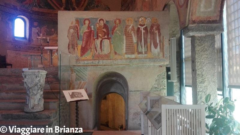 La Basilica di San Vincenzo a Galliano, l'ingresso della cripta