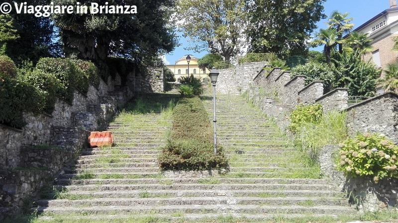 Cosa fare a Inverigo, la scalinata di Villa La Rotonda