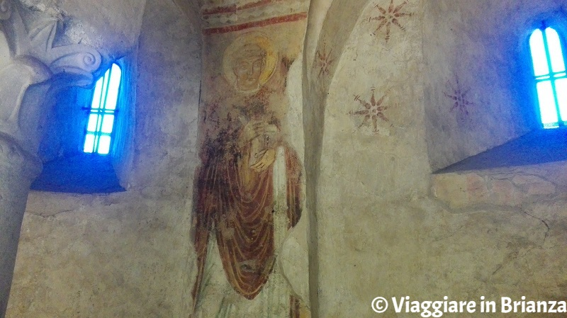 Cripta della Basilica di Galliano, il santo con il libro in mano