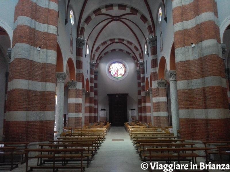 L'interno della chiesa di Muggiò