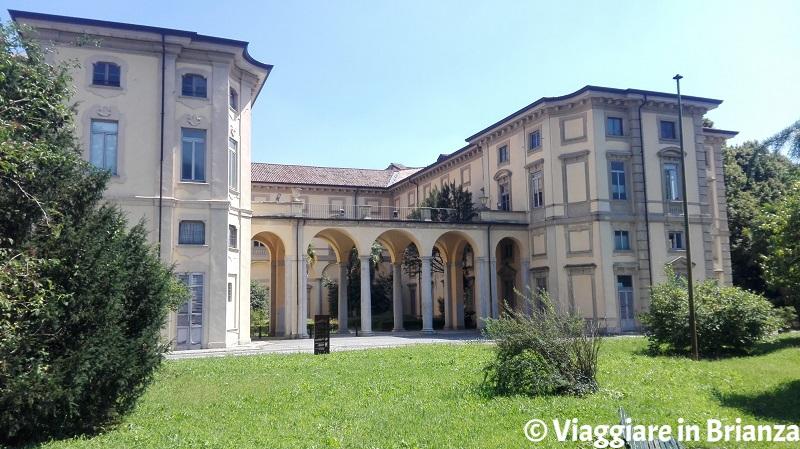 Limbiate, Villa Pusterla Crivelli