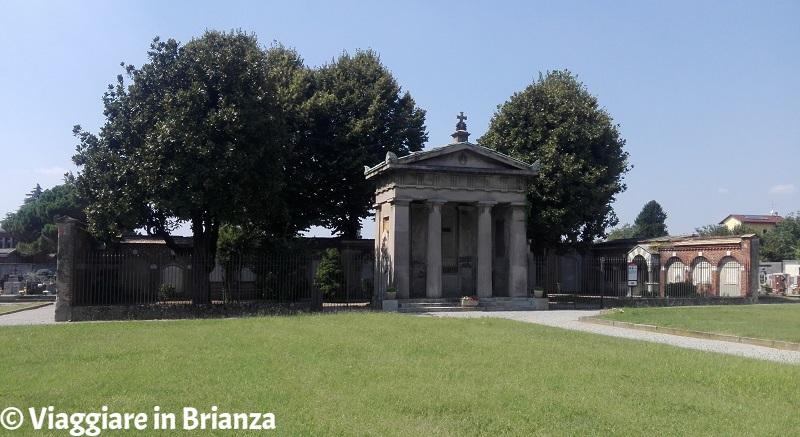 Il Mausoleo Casati Stampa al cimitero di Muggiò