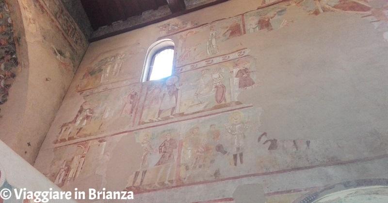 La parete destra della Basilica di Galliano