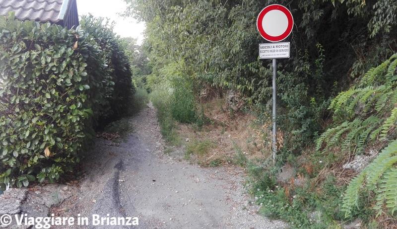 Via Mandelli per il castello di Montorfano
