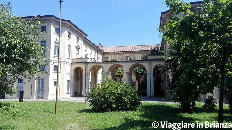 Villa Pusterla Crivelli nel manicomio di Mombello