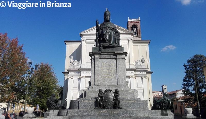 Cosa fare a Desio, la statua di Pio XI