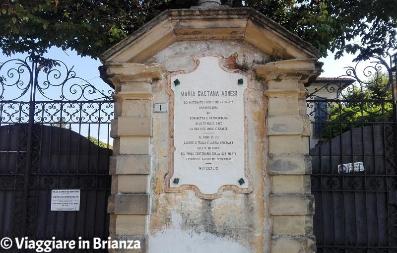 Cosa fare a Montevecchia, Villa Agnesi Albertoni