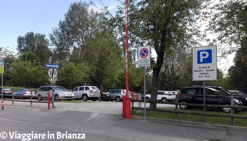 Laghetto di Giussano, i parcheggi