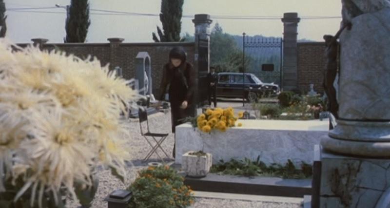 Laura Antonelli al cimitero di Capiago Intimiano in Sessomatto