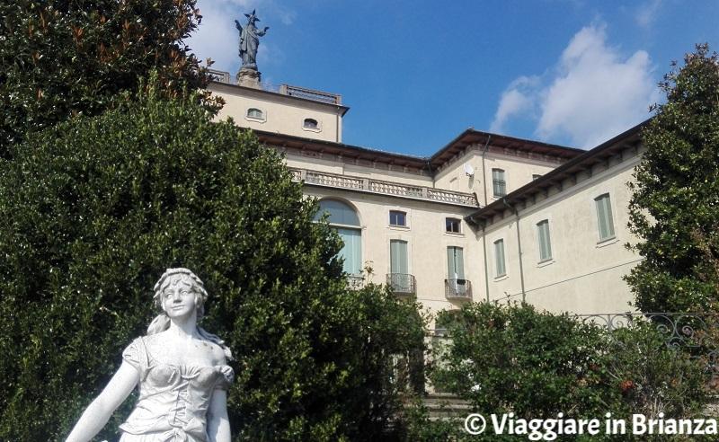 La statua del Sacro Cuore in Villa Sacro Cuore