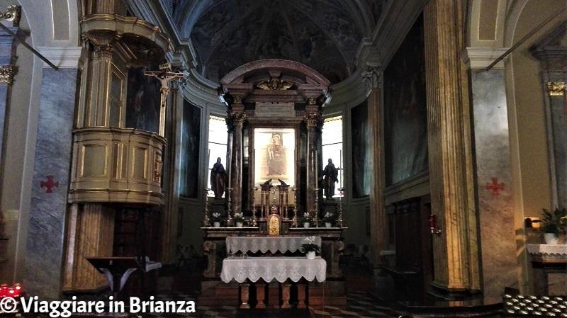 L'altare con l'affresco della Vergine nel Santuario di Rancate
