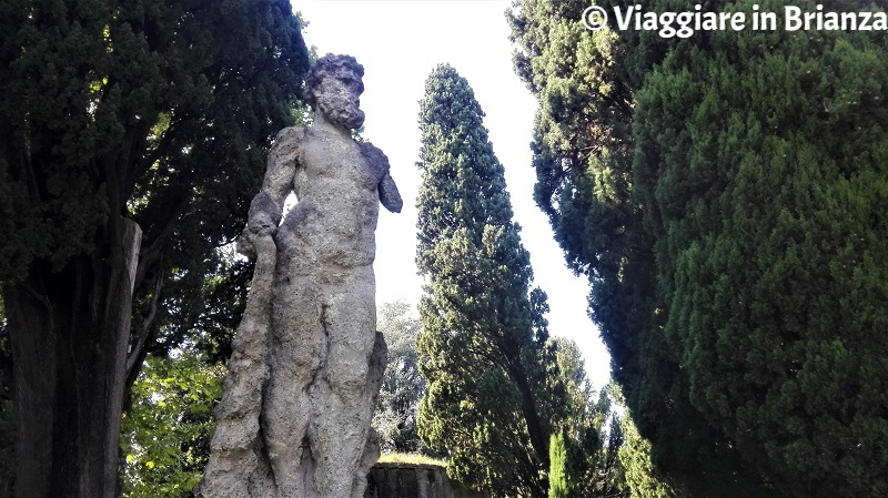 Inverigo, la Statua del Gigante