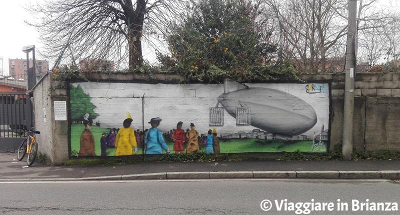 Cosa fare a Cantù, il murales del dirigibile