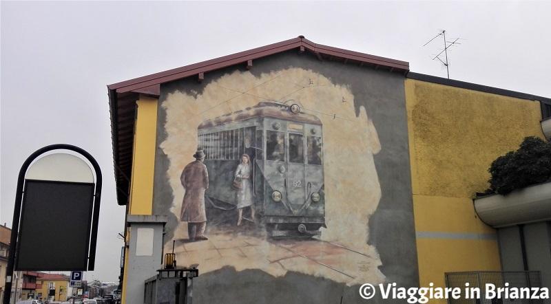 Street art in Brianza, il murales del tranvai di Giussano