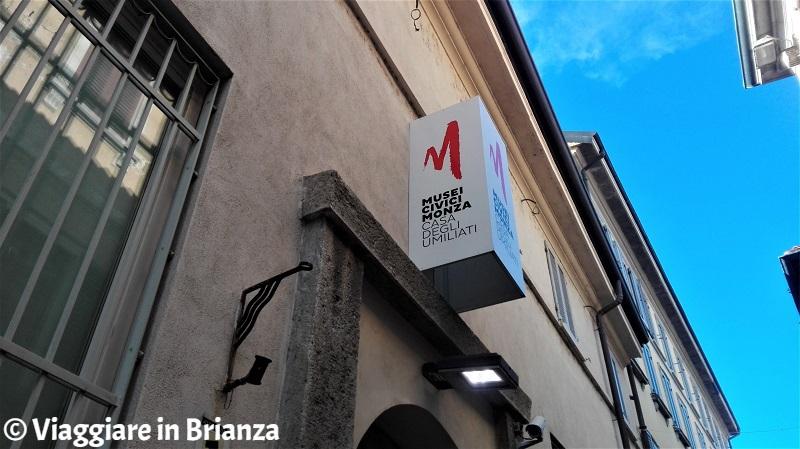 Cosa fare a Monza, Casa degli Umiliati