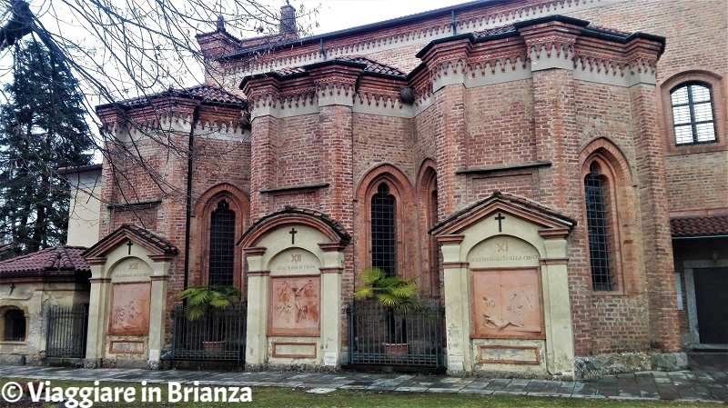 Le edicole in cotto della Via Crucis del Santuario di Santa Maria delle Grazie a Monza
