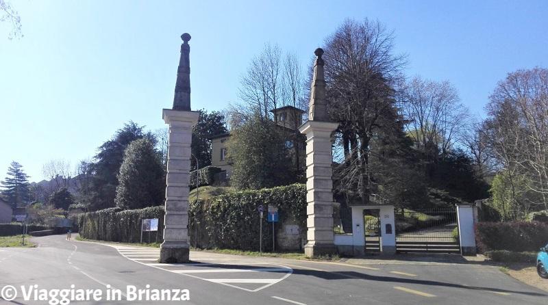 Cesano Maderno, il portale barocco del viale prospettico di Palazzo Arese Borromeo