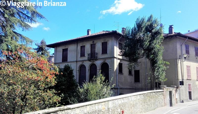 Cosa fare a Barzanò, Villa Luciano Manara