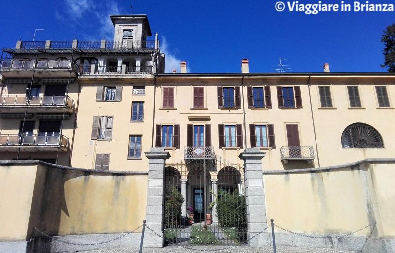 Cosa fare a Barzanò, Villa Redaelli