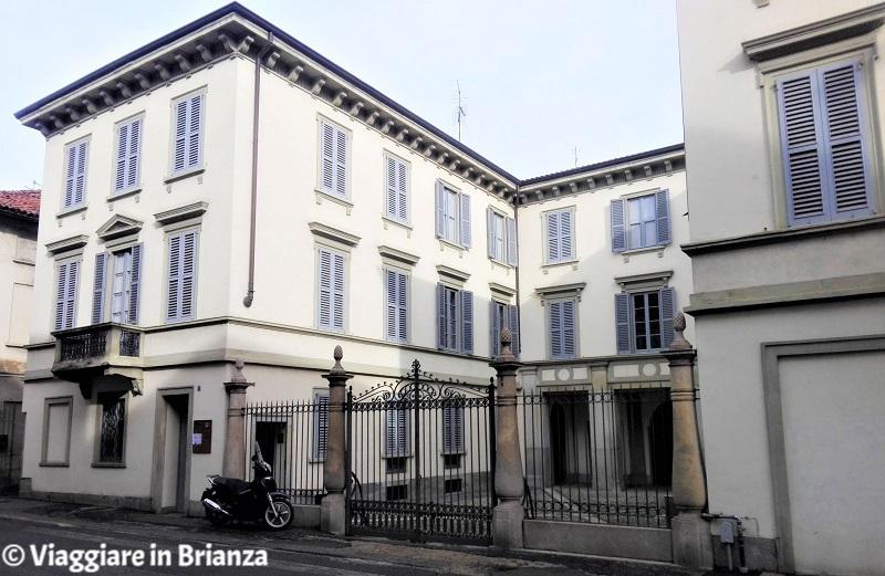 Cosa fare a Monza, Casa Calloni