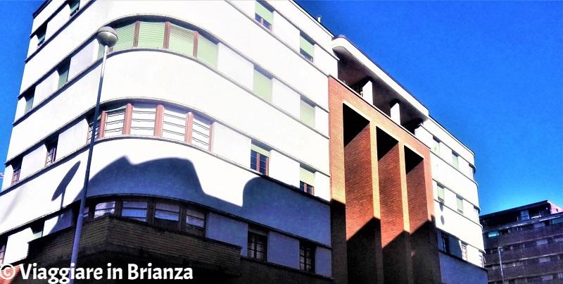 Il palazzo del Movimento Moderno a Monza