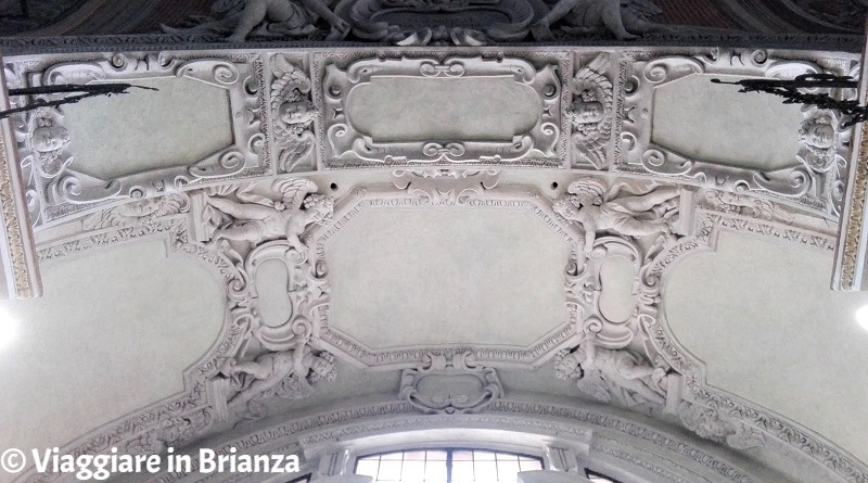 Chiesa di Barlassina, gli stucchi della Cappella della Madonna dell'Aiuto