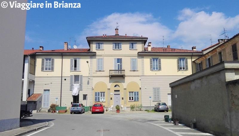 Cosa fare ad Arcore, Palazzo Durini