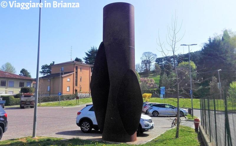 Cosa vedere a Cantù, la scultura Meridiana D 2000