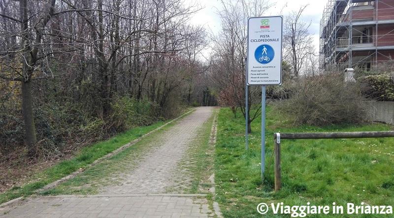 L'inizio della pista ciclabile 27 del Parco delle Groane a Seveso