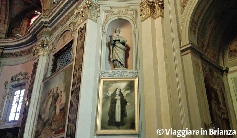 La statua di San Giacomo e il quadro di Santa Brigida