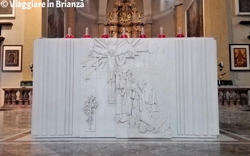 Basilica di Seregno, il lato anteriore della mensa