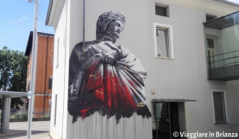 Cosa vedere a Seregno, il murales di Dante Alighieri