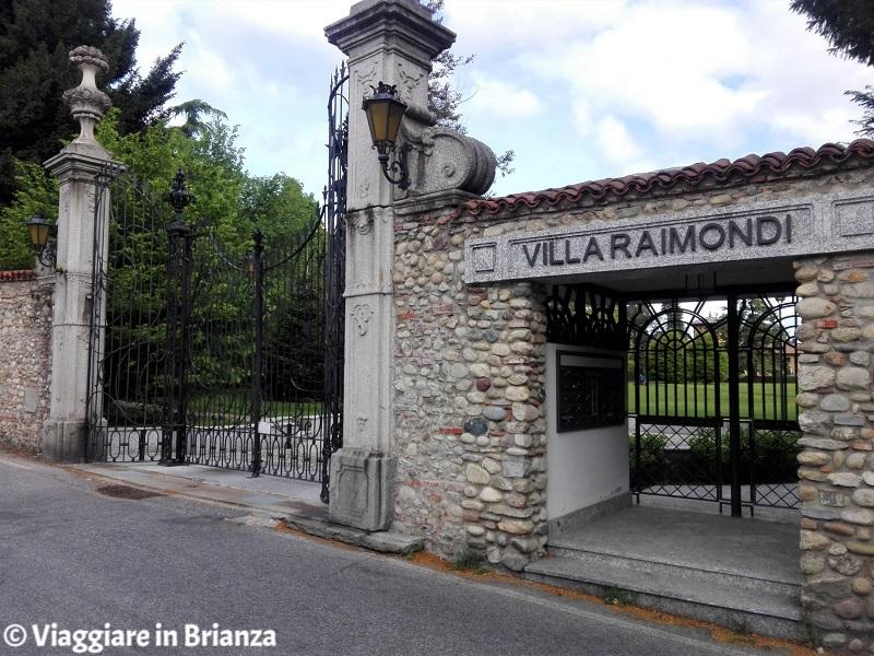 L'ingresso di Villa Raimondi Odescalchi a Fino Mornasco
