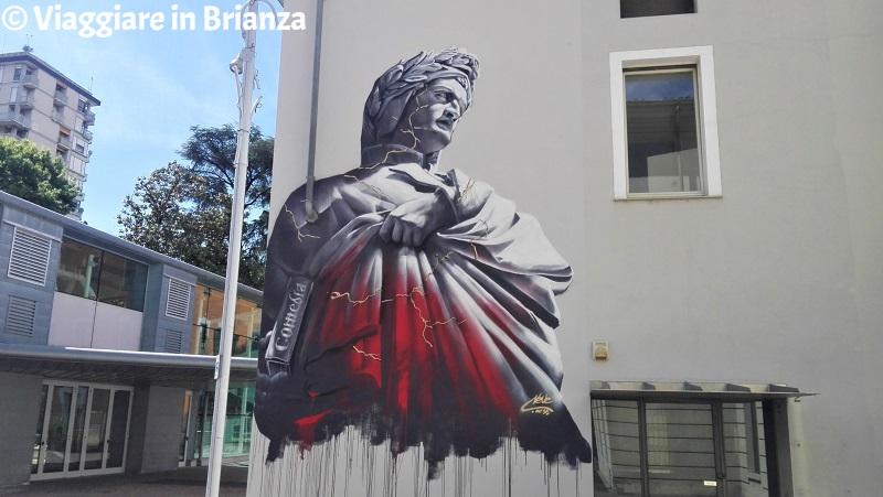 Seregno, il murales di Dante Alighieri