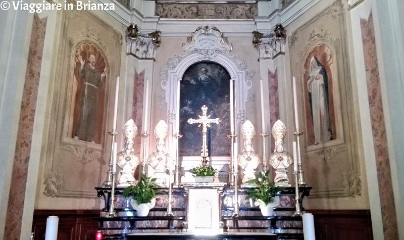 L'altare maggiore della Chiesa di Santa Maria Immacolata a Fino Mornasco