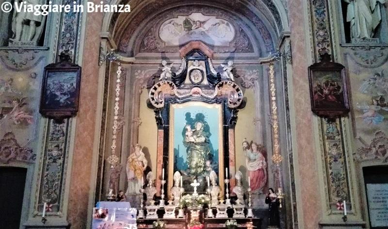 La statua della Madonna Immacolata nella chiesa di Carimate
