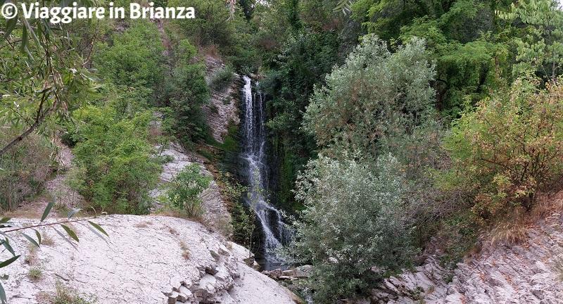 La cascata della roggia Cavolto nell'Oasi di Baggero