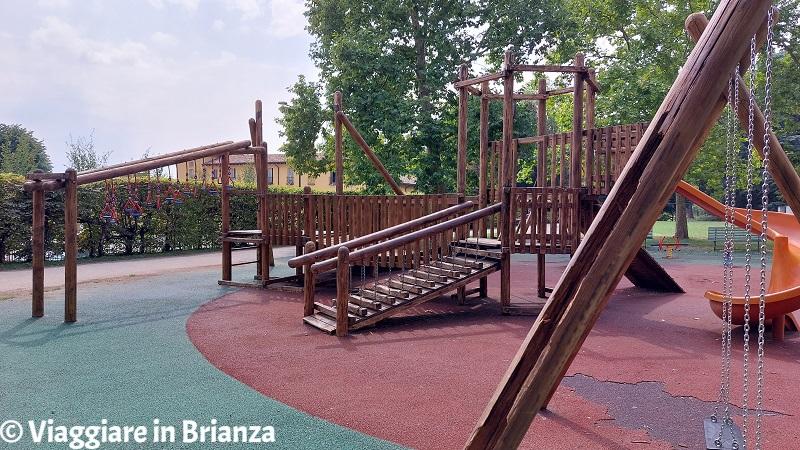 L'area giochi nel parco Majnoni di Erba