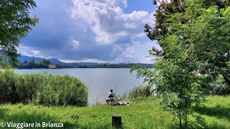 Civate, pescare al lago di Annone