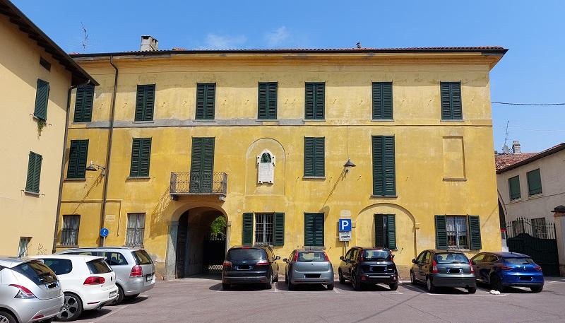 Cosa fare a Rogeno, Villa Isacco