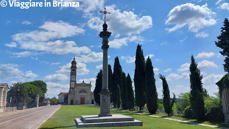 Cosa vedere a Costa Masnaga, la croce della chiesa